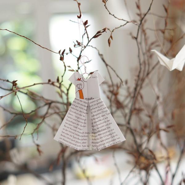 (08021) Origami Kleidchen mit Bügel